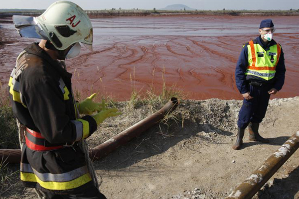 The alumina plant reservoir which cracked and unleashed a torrent of toxic red sludge in Kolontar (Reuters)