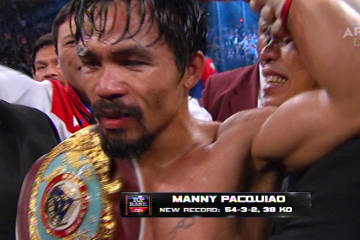 Manny Pacquiao wins by majority decision