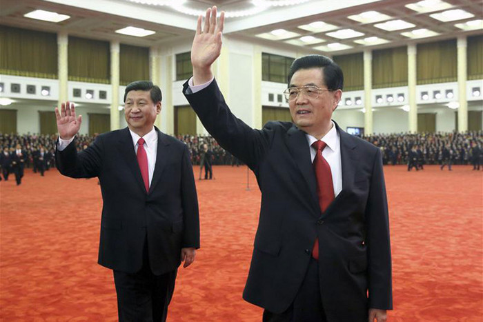 Chinese President Hu Jintao (R) and Xi Jinping (Reuters)