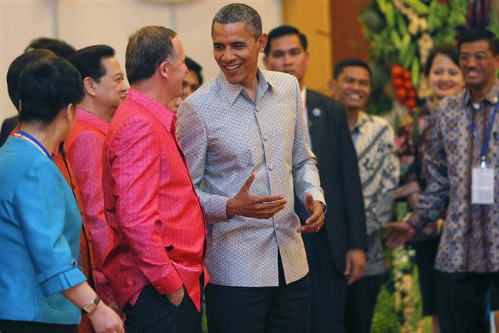 US President Barack Obama talks to Prime Minister John Key as they arrive for the gala dinner together with other head of states in Phnom Penh (Reuters)