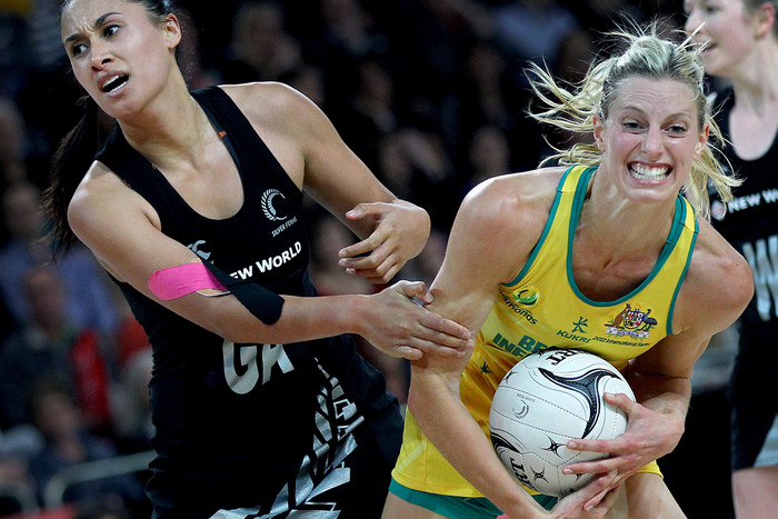 Diamonds keeper Laura Geitz, right, has been named Queensland Firebirds captain (Photosport file)