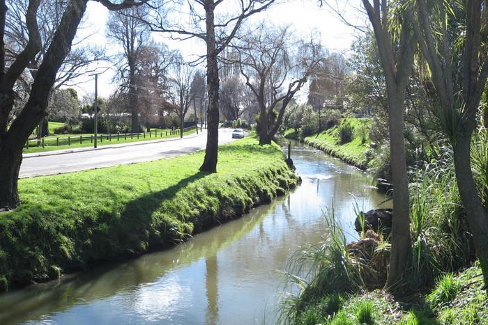Heathcote River at normal levels (Photo: Greg O'Beirne/Wikipedia)