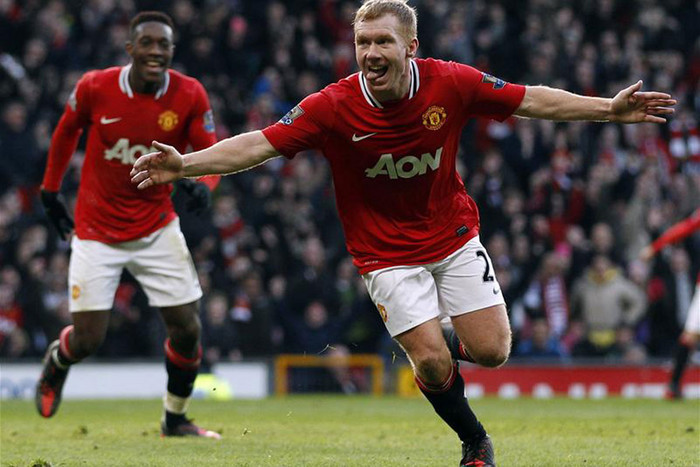 Paul Scholes has been brought in to bolster the United midfield (Reuters file)
