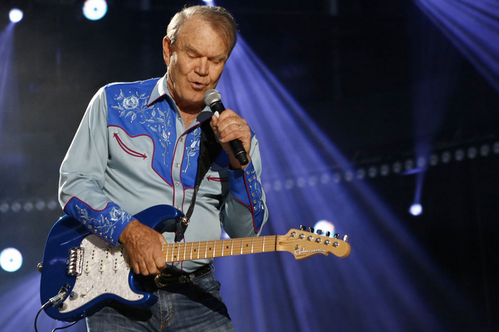 American country music artist Glen Campbell performing during the Country Music Association (CMA) Music Festival in Nashville, Tennessee (Reuters/Harrison McClary)