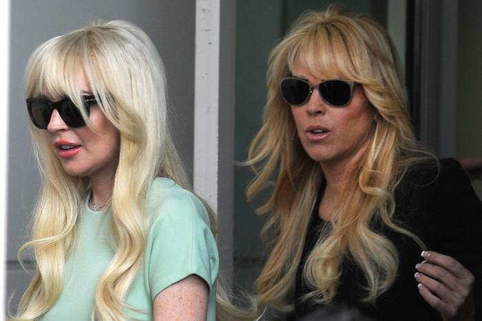 Lindsay and Dina Lohan (AAP)