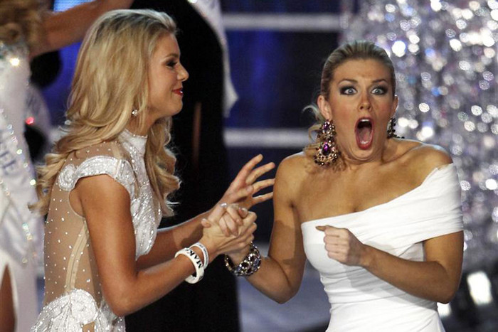 Hagan (R) reacts with first runner up Miss South Carolina after being named Miss America 2013 (Reuters)