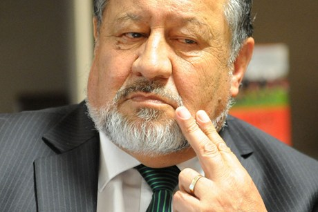Pita Sharples wants to hold on to his ministerial portfolios if he's ousted