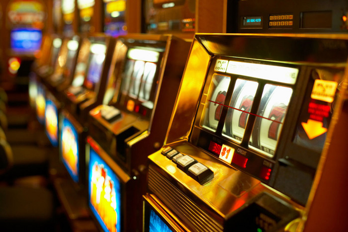 In exchange for a law change allowing up to 500 more pokie machines in its casino, Sky City is going to pay for the convention centre (file)