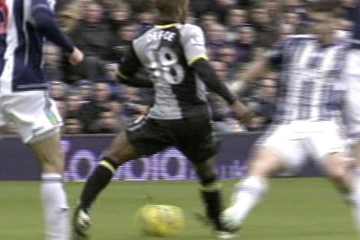 Jermaine Defoe twists an ankle