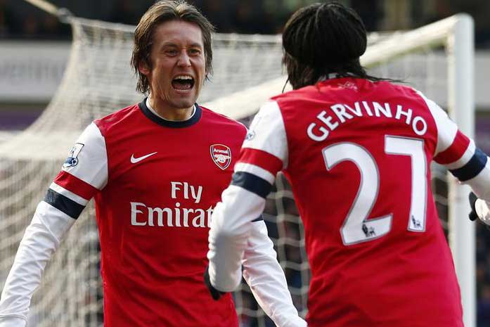 Arsenal's Tomas Rosicky, left, with Gervinho – more celebrations today against Norwich?(Reuters)