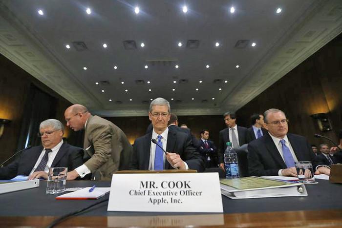 Tim Cook (Reuters)