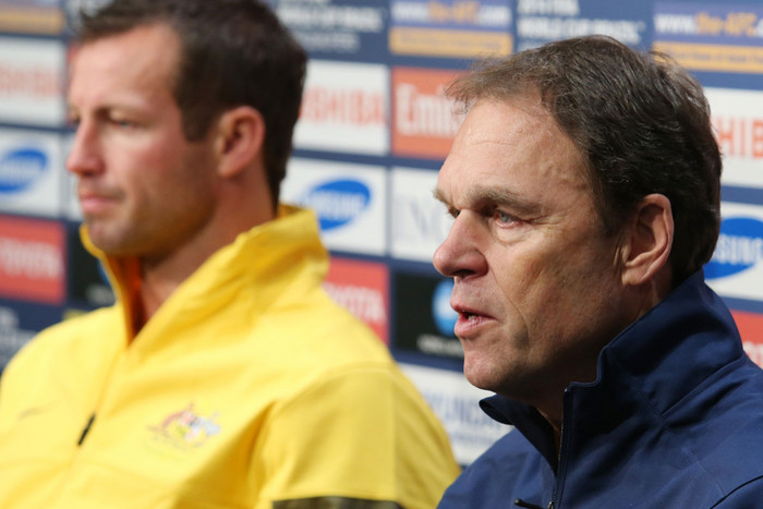 Australia coach Holger Osieck, right (AAP)