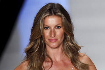 1) Gisele Bundchen - US$44 million (Reuters)