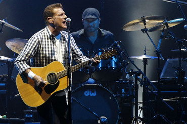 Glenn Frey performs 2011 (Reuters)
