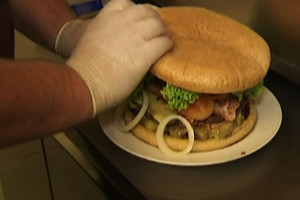 Story takes on Geraldine's 2kg burger, 30 minute challenge