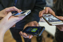 Smartphone users (Getty)