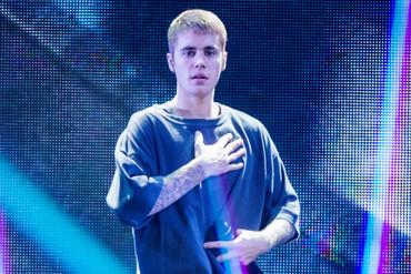 Justin Bieber performs live (Reuters)