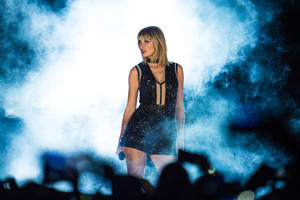 Taylor Swift performs a concert at the Formula 1 World Championship (AAP)