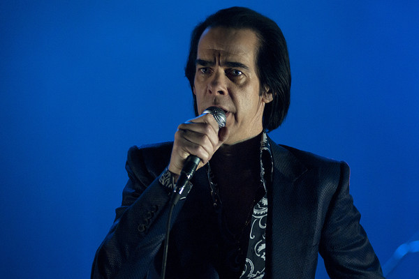 Nick Cave performing live in Manchester, England (AAP)