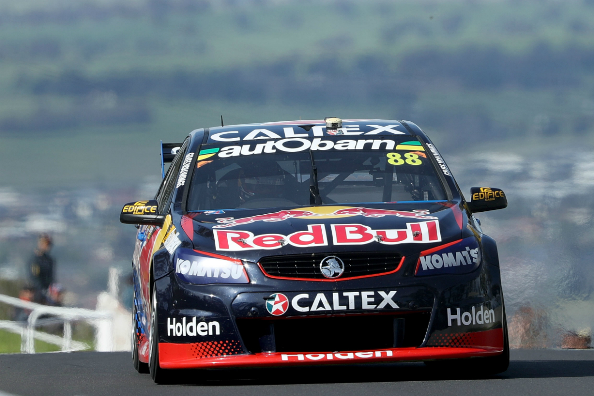 Whincup and Dumbrell dominate opening day