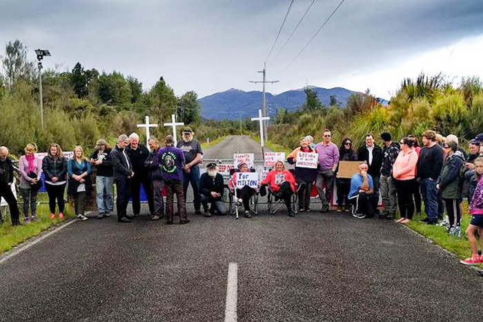 Protesters outside Pike River mine