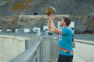 Video: World record set for highest basketball shot