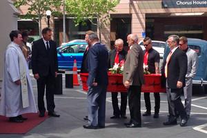 Ray Columbus' casket arrives at St Patrick's Cathedral (Simon Shepherd / Newshub,)
