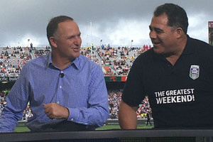 Prime Minister booed, cheered during Auckland Nines visit
