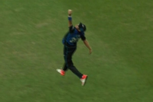 Video: Black Cap Adam Milne takes miraculous outfield catch