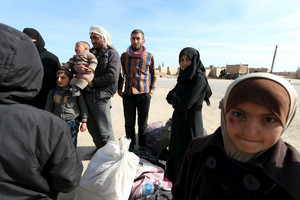 More Syrians flee as assault in Aleppo intensifies