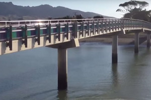 Raglan teen drowns after jumping off bridge