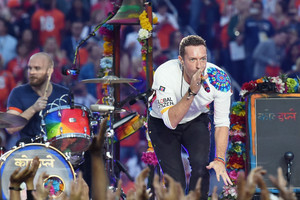 Chris Martin performs at Super Bowl 50 (Getty)