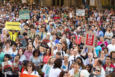 Thousands of people gather at the Sydney Stands for Sanctuary rally at Town Hall Square in Sydney on Monday (AAP)