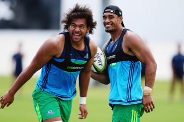 Steven Luatua and Jerome Kaino in training (Getty Images)