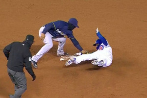 Video: Chicago Cubs infielder steals base with incredible play