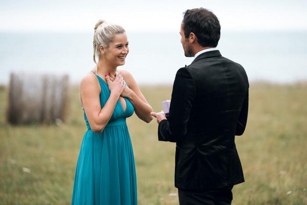 Jordan Mauger and Fleur Verhoeven on the last episode the The Bachelor NZ