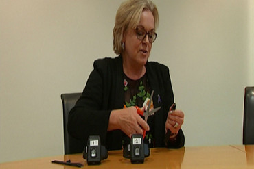 "Judith Collins attempts the ""uncuttable"" ankle bracelet"