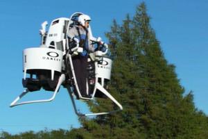 Video: Bubba Watson tests Kiwi-developed jetpack caddy