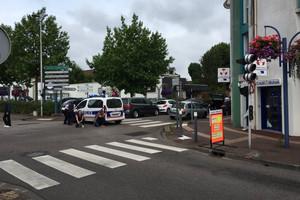 Hostages taken in France