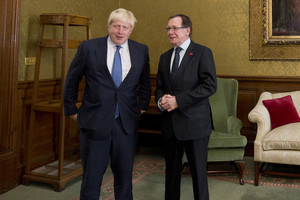 Boris Johnson and Murray McCully (AAP)
