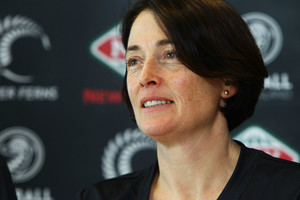 Silver Ferns shooting circle providing questions for Janine Southby