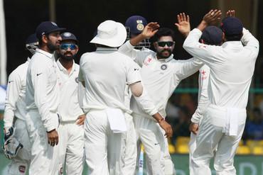 India celebrate crucial wickets (Photosport)
