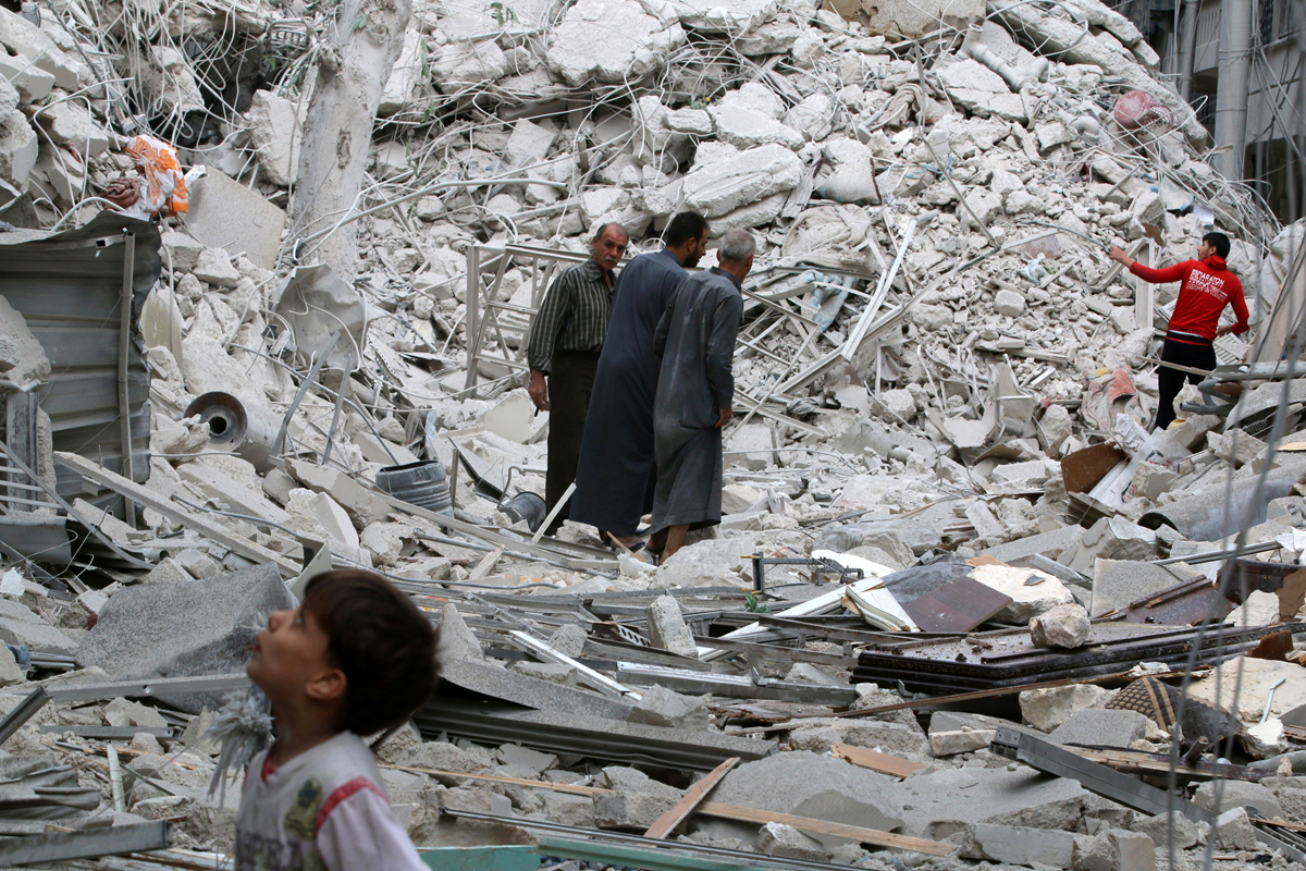 Syrian forces seize north of Aleppo in heavy raid