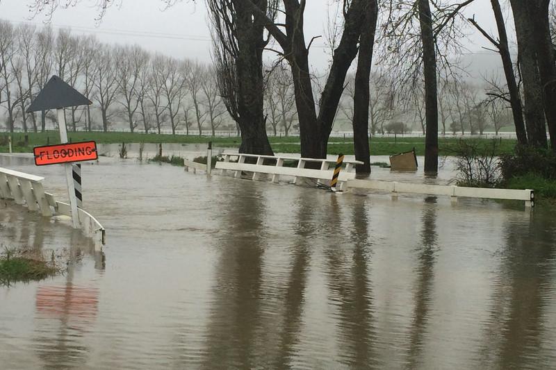 Flooding near Pauanui (Darryn Inder / Newshub.)