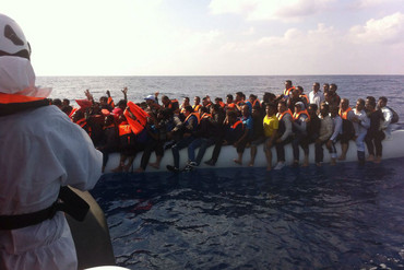 Migrants being rescued in the Mediterranean (Rosemarie North/Twitter)